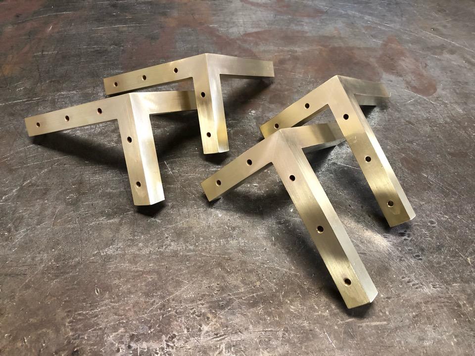 真鍮製キャビネット脚 製作