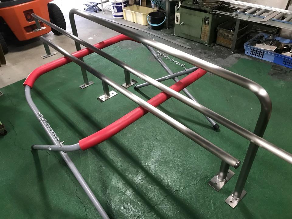 ステンレス製  防護柵製作