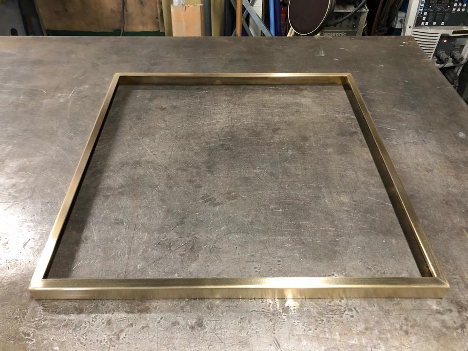 真鍮 テーブルコーナーカバー製作