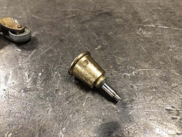 真鍮家具 キャスター修理