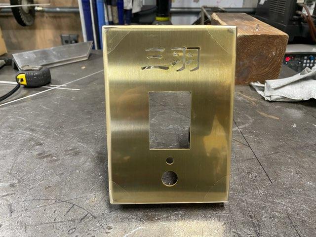 真鍮インターホンカバー 製作