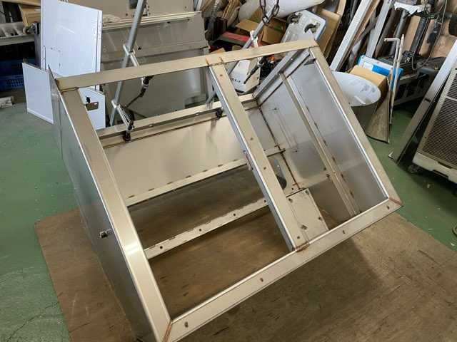 ステンレス格納箱 溶接加工