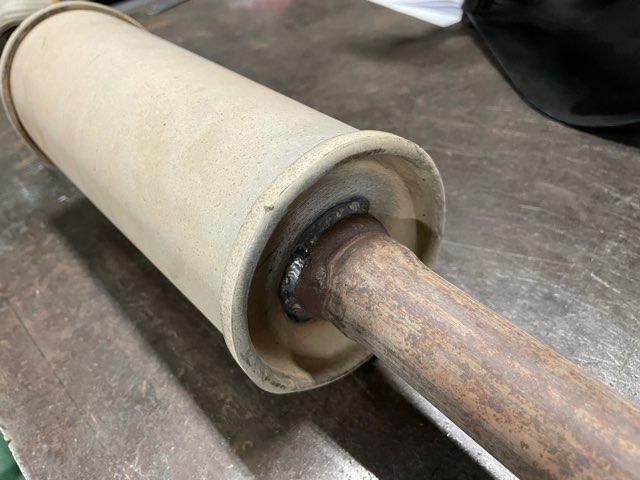 自動車マフラー 修理